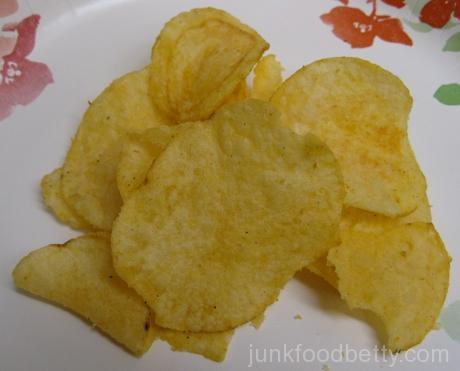 Lay's Do Us a Flavor Finalist Cheesy Garlic Bread Potato Chips