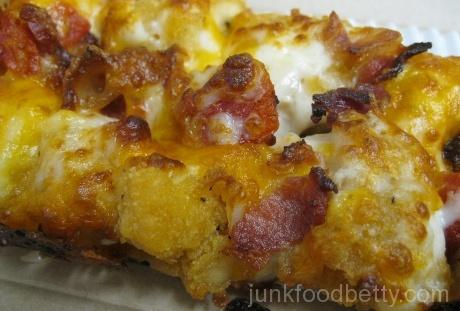 Domino's Specialty Chicken Crispy Bacon & Tomato Close-Up